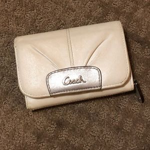 Coach Small Wallet White + Silver